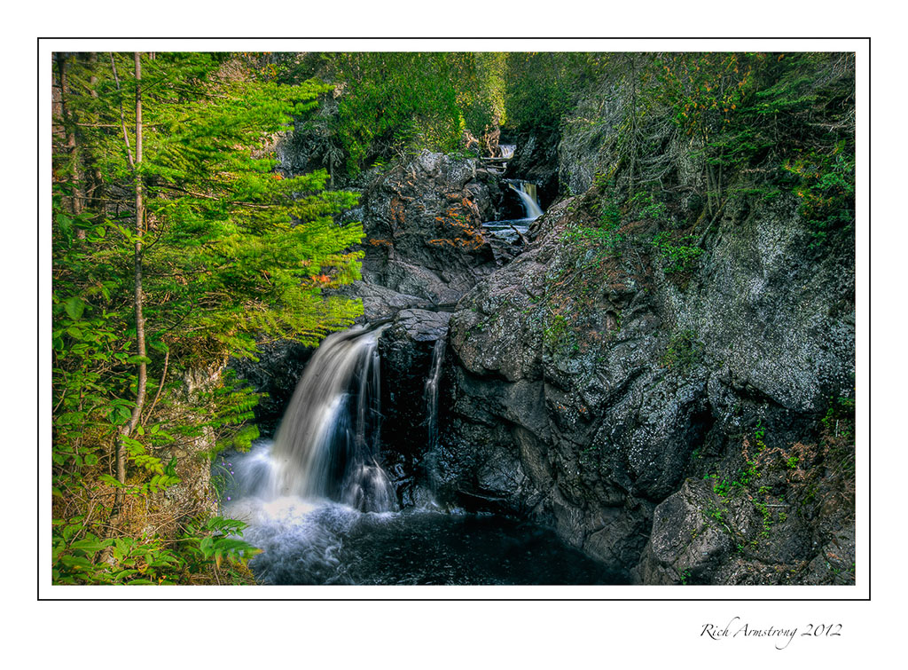 HDR-waterfall1A-frm_.jpg