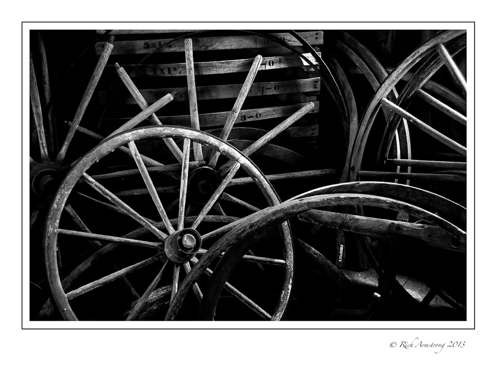 wagon-wheels-1-b-n-w.jpg