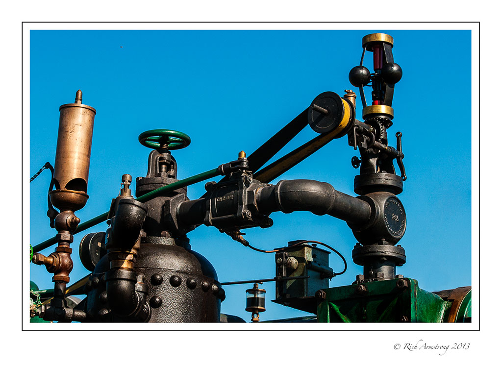 steam-tractor-top-frm.jpg